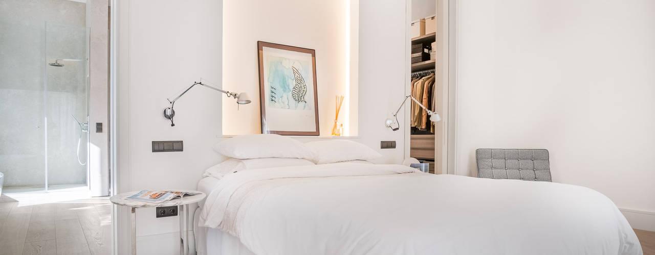 Phòng ngủ phong cách hiện đại bởi Tarimas de Autor Hiện đại