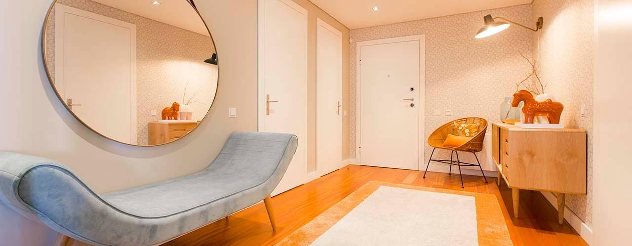 Apartamento Edifício do Parque - T4 MATOSINHOS ShiStudio Interior Design Corredor, hall e escadasAcessórios e decoração