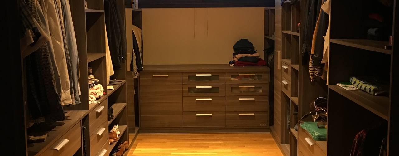 VIVIENDA EG: Dormitorios de estilo moderno por BVS+GN ARQUITECTURA