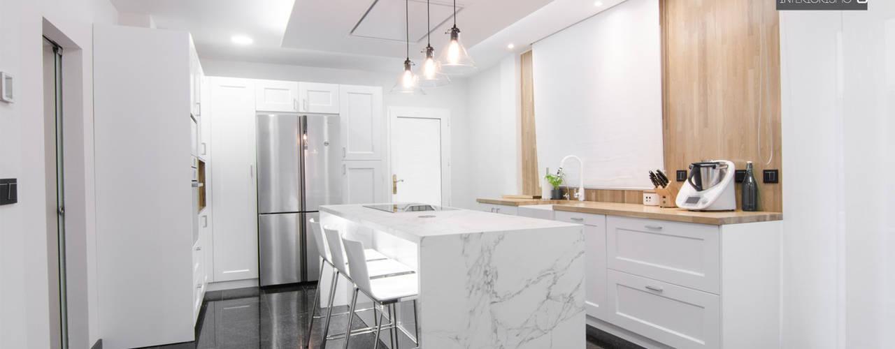 Diseño espacio de cocina: Cocinas integrales de estilo  de CARMAN INTERIORISMO