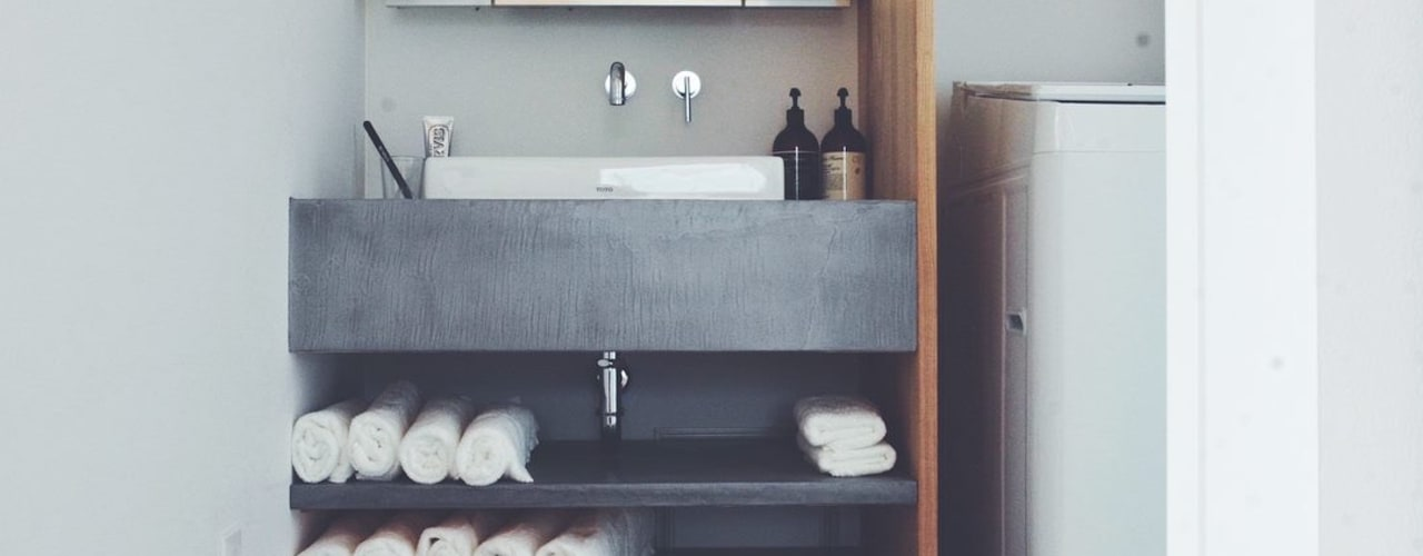 Ourplace: 有限会社 中神工務店が手掛けた浴室です。,モダン