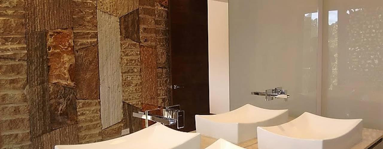Manantiales de la Acuarela: Baños de estilo  por Espacios Positivos