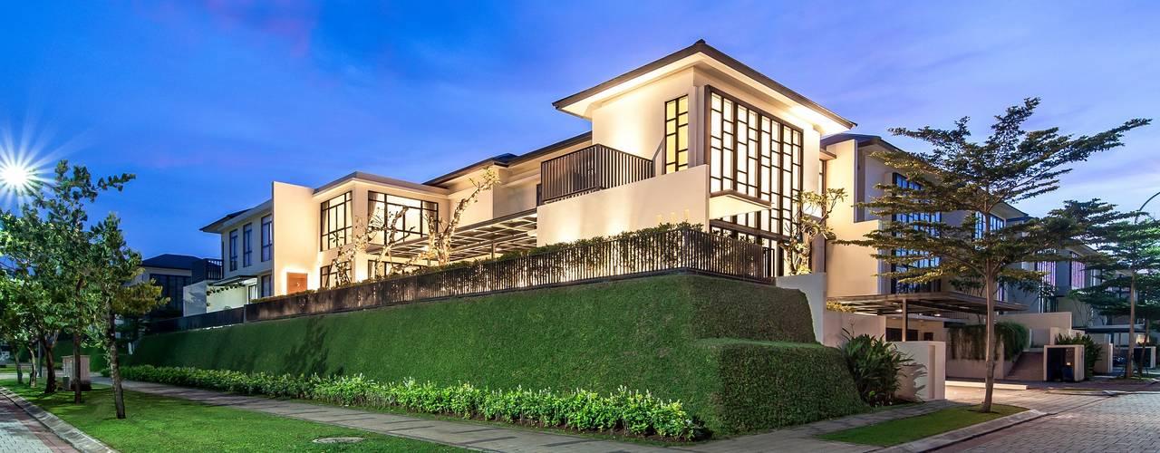 Projekty,  Dom jednorodzinny zaprojektowane przez PT. Dekorasi Hunian Indonesia (DHI)