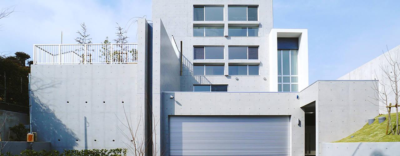 2層の地下空間を擁する4層のRC住宅: JPホーム株式会社が手掛けた一戸建て住宅です。