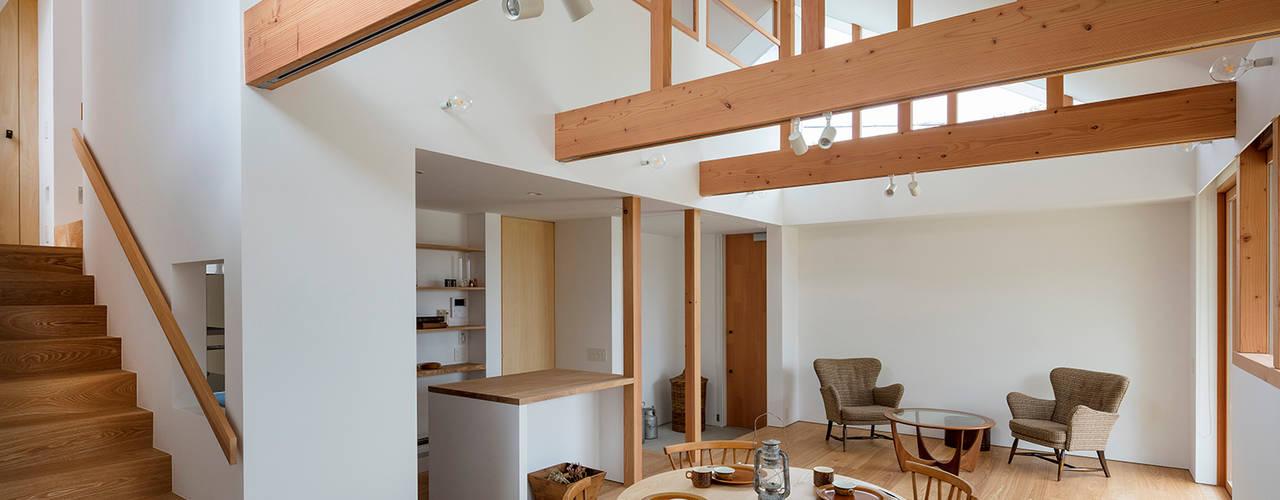 西松ヶ丘の家 House in Nishimatstugaoka ミニマルデザインの ダイニング の arbol ミニマル