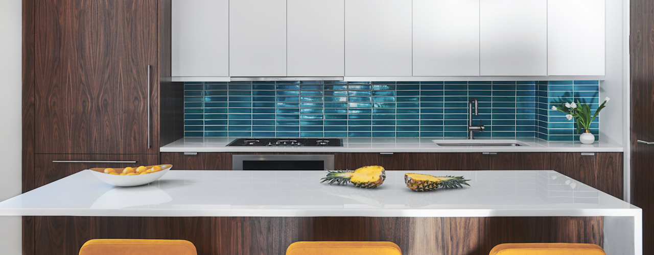 Tribeca Apartment:  Kitchen by Sarah Jefferys Design