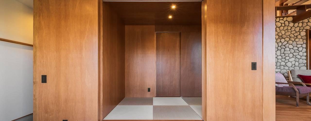 ONe(オネ) モダンデザインの 多目的室 の Ju Design 建築設計室 モダン