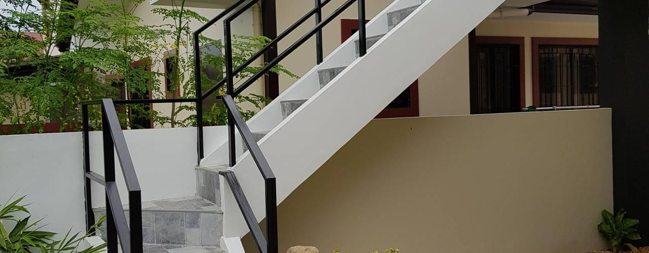 Vergara Family Residence Modern home by Yaoto Design Studio Modern