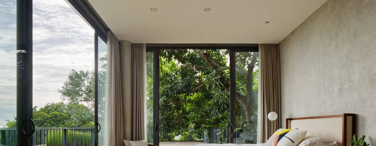 Projekty,  Sypialnia zaprojektowane przez Tamara Wibowo Architects
