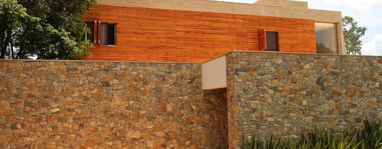 par CBR Arquitetura Ltda. Moderne
