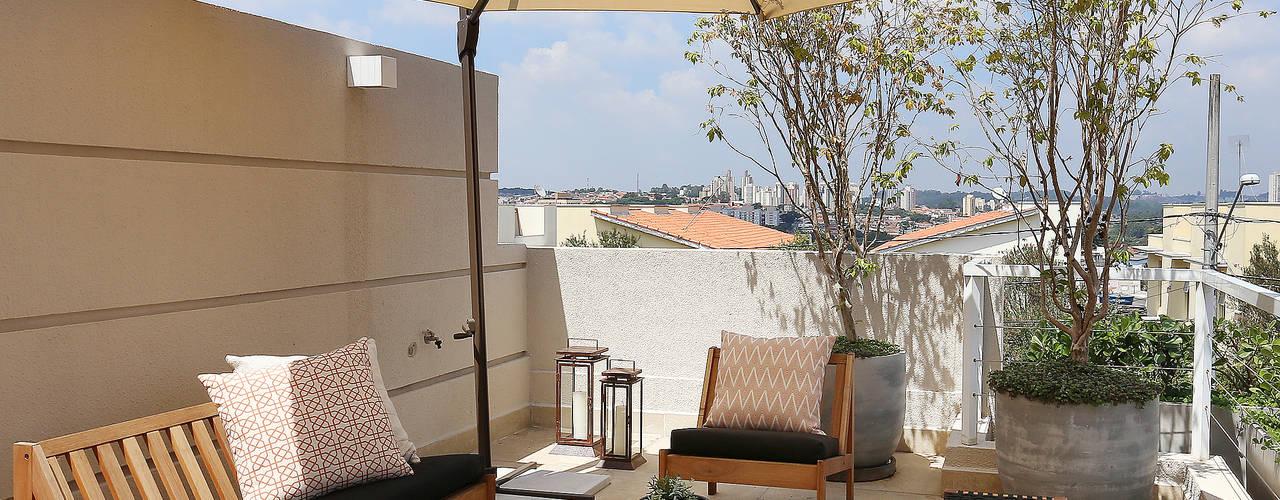 Casa AP Varandas, alpendres e terraços rústicos por Start Arquitetura Rústico