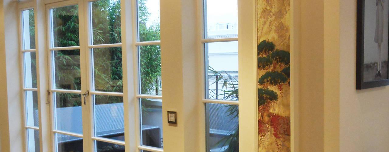 lautsprecher hinter bild wohnzimmer von meyerfeldt architektur innenarchitektur
