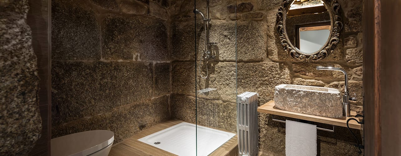 Baños de estilo  por Estúdio AMATAM,