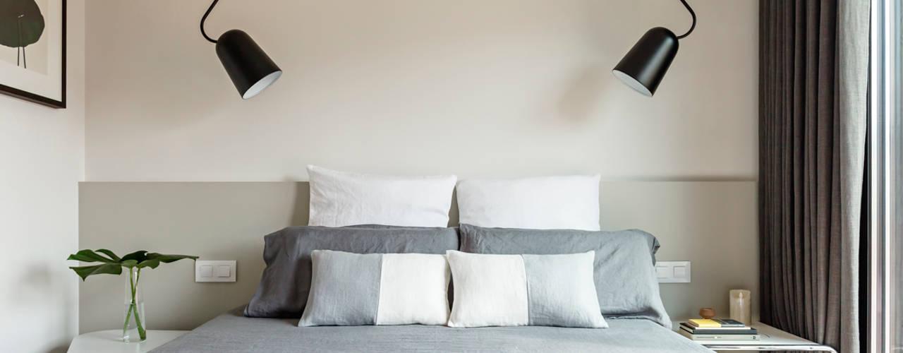Reforma Integral Vivienda. Av Vallcarca, St Gervasi, Barcelona. - 2017 Dormitorios de estilo minimalista de Marina Sezam Minimalista
