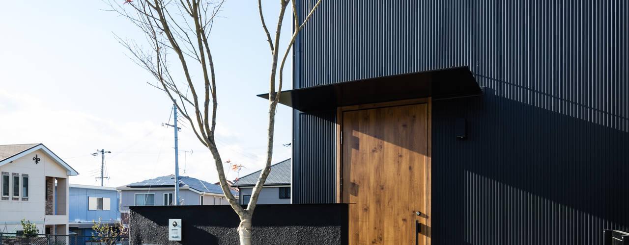 空へ山へ: SQOOL一級建築士事務所が手掛けた木造住宅です。