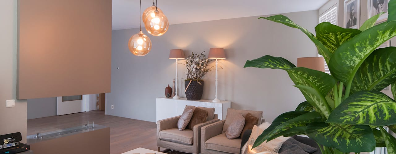 Living room by Whitehouse decorations