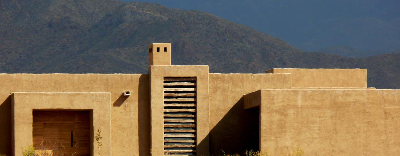 Hoteles de estilo  por Bórmida & Yanzón arquitectos,