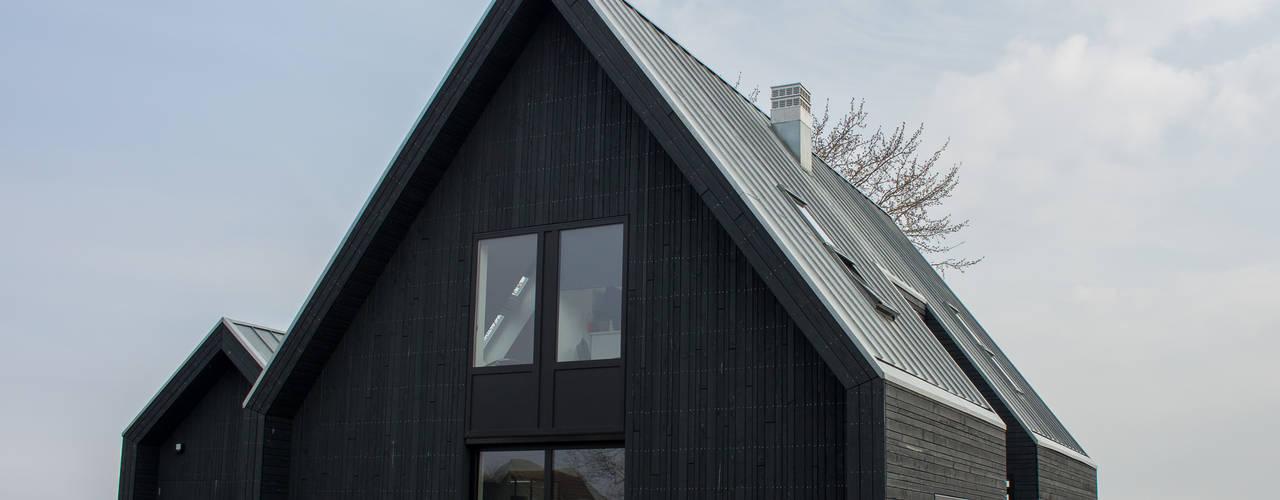 Moderne schuurwoning Haringhuizen van Nico Dekker Ontwerp & Bouwkunde Minimalistisch