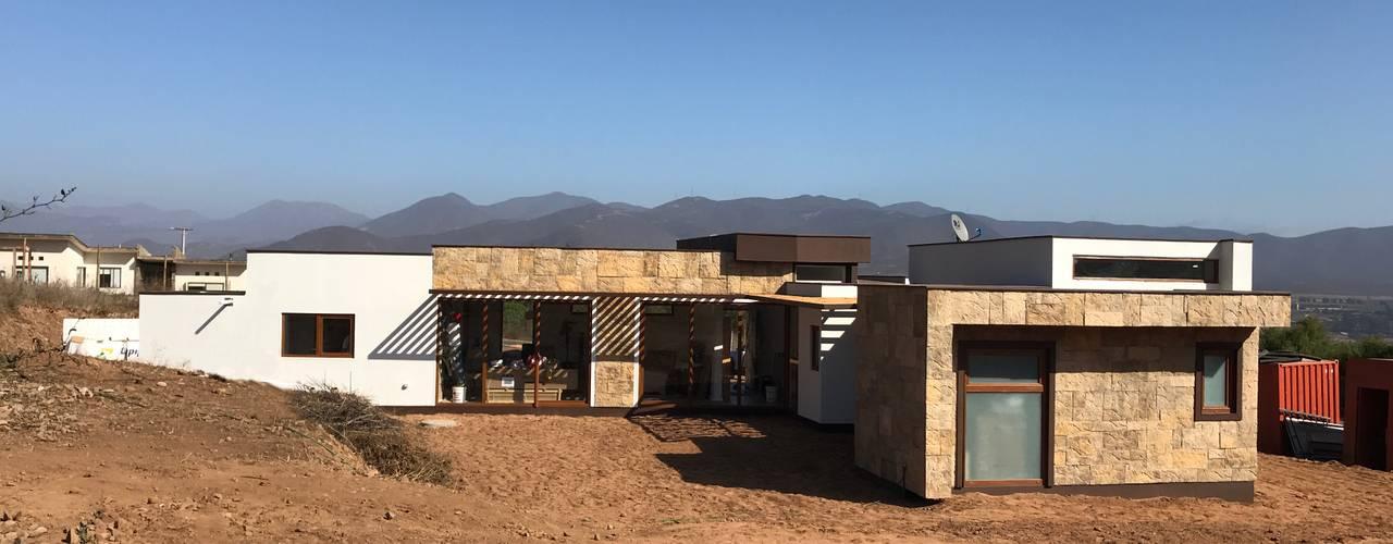Construcción Terminada Vivienda Premium Lt37 / 125m2 / Fundo Loreto. La Serena.: Casas unifamiliares de estilo  por Territorio Arquitectura y Construccion - La Serena