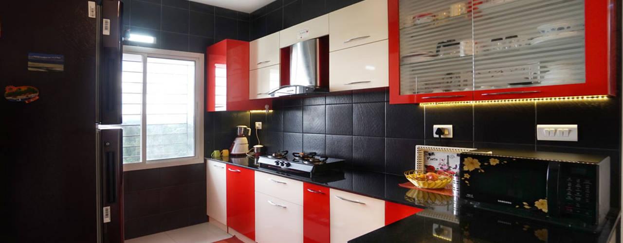 Ajay & Yogita's apartment in Sobha dream Acres,Varthur,Bangalore:  Kitchen by Asense
