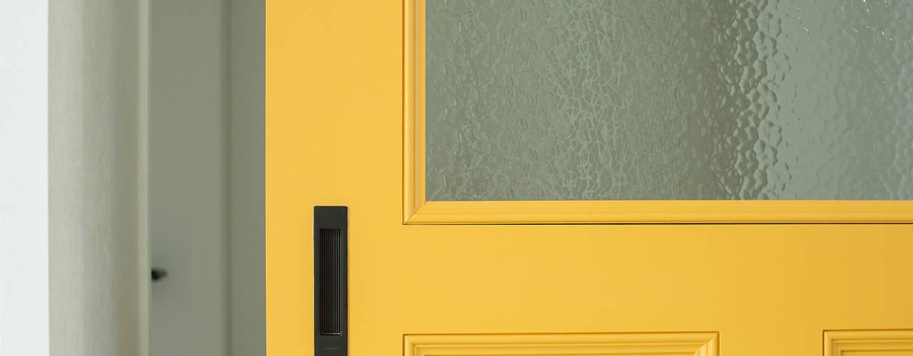 homify Eclectic style doors