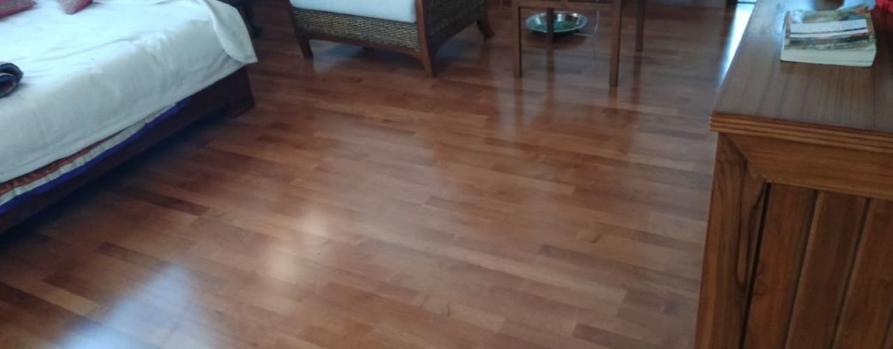 Solidwood Floor:  Floors by Opulo India