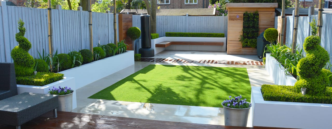Minimalist Garden:  Garden by Landscaper in London