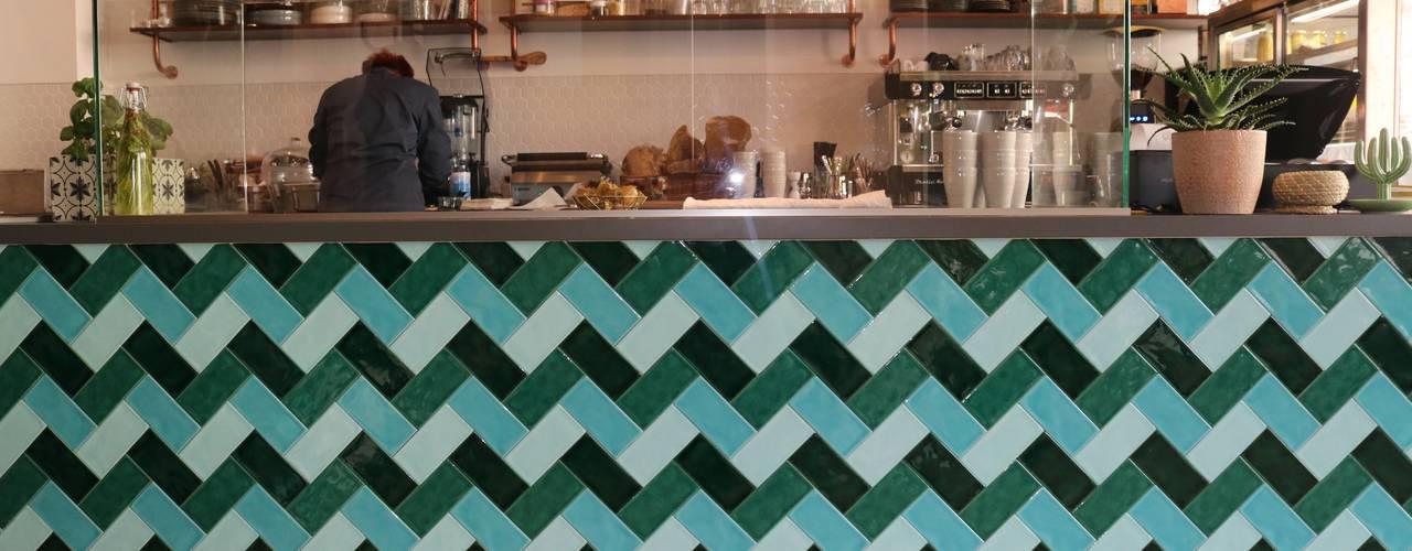 Deli Bar and Restaurant von Ivy's Design - Interior Designer aus Berlin Mediterran