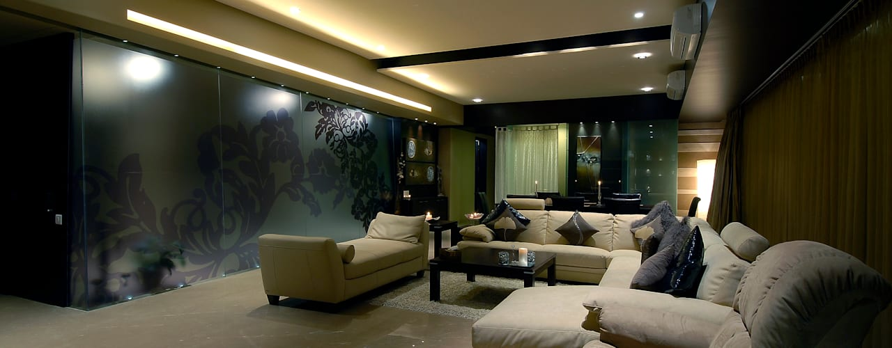 Residential Interior:  Living room by Jeearch Associate