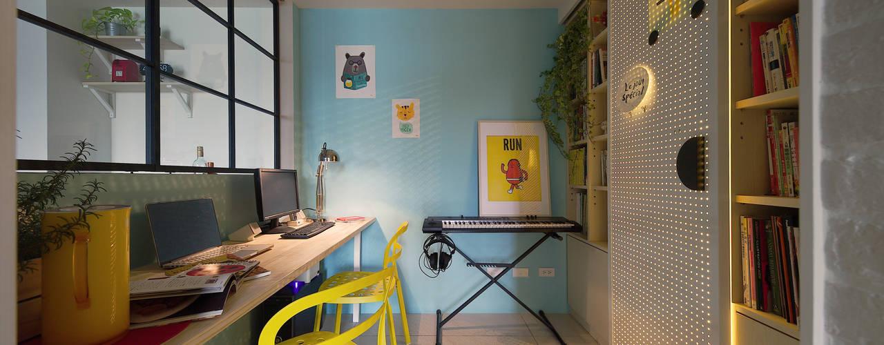 Oficinas de estilo escandinavo de 一葉藍朵設計家飾所 A Lentil Design Escandinavo