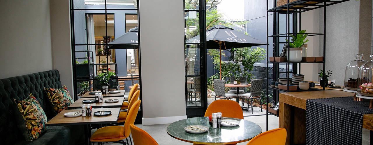 Hertex Gardens, Cape Town: modern  by Renov8 CONSTRUCTION, Modern