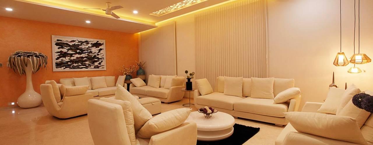 Nemi Villa: modern Bedroom by Innerspace