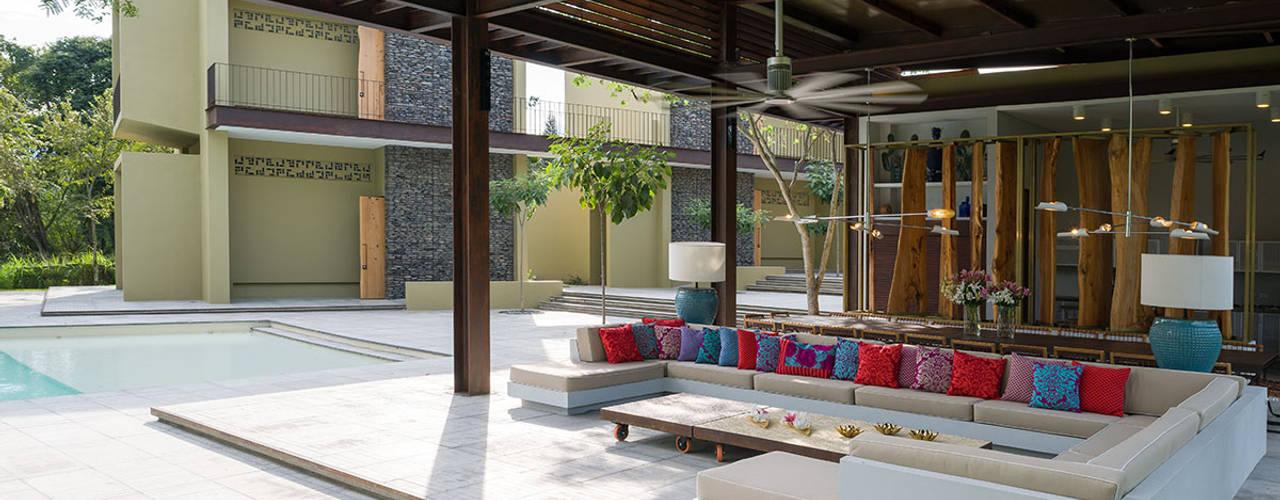 Minimalistischer Balkon, Veranda & Terrasse von NOAH Proyectos SAS Minimalistisch