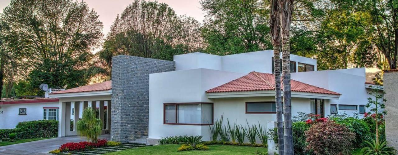 Casas unifamilares de estilo  de Stuen Arquitectos