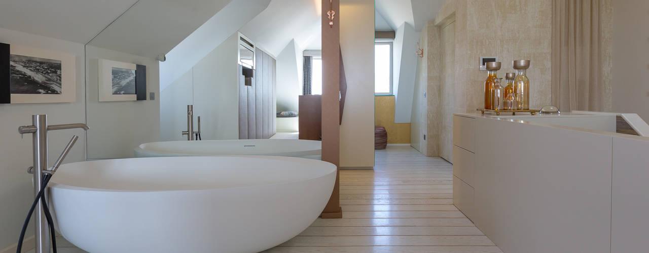 Projeto Arquitetura - Moradia na Granja MJARC MJARC - Arquitetos Associados, lda Casas de banho modernas