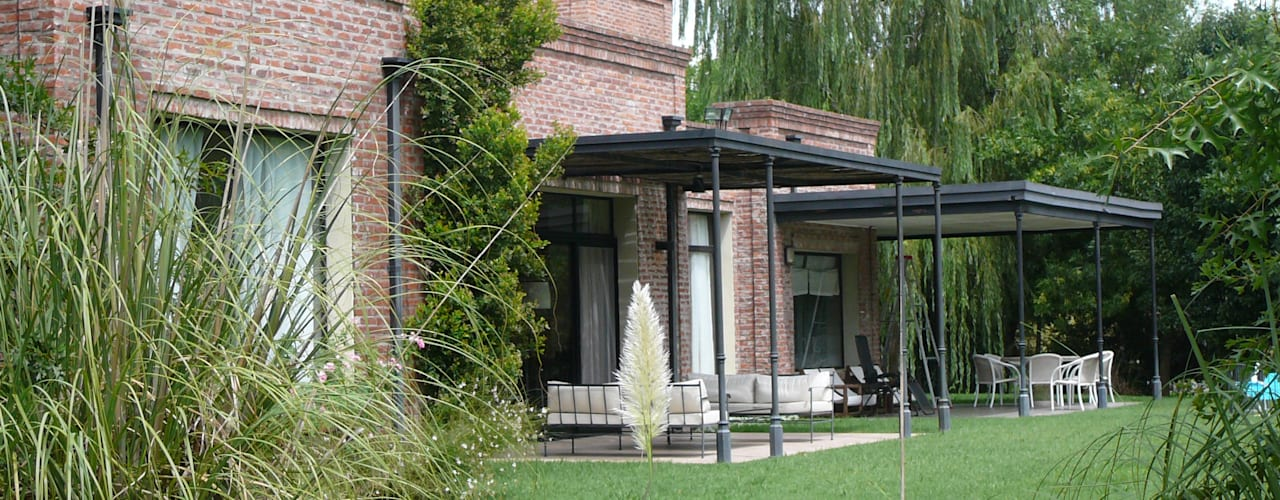 Diseño de casas en todos los estilos por Estudio Dillon Terzaghi Arquitectura de Estudio Dillon Terzaghi Arquitectura - Pilar Rural