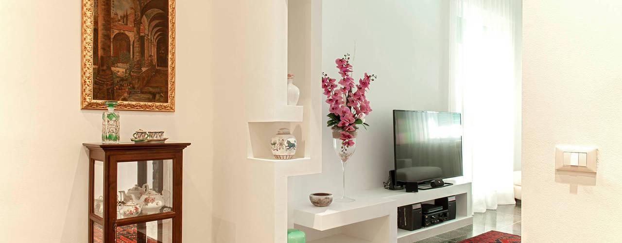 nA.nA. Project (iLove U) Ingresso, Corridoio & Scale in stile minimalista di Luca Bucciantini Architettura d' interni Minimalista