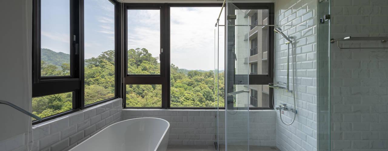 MOUNTAIN LOFT 與山嵐綠意對話:  浴室 by 果仁室內裝修設計有限公司