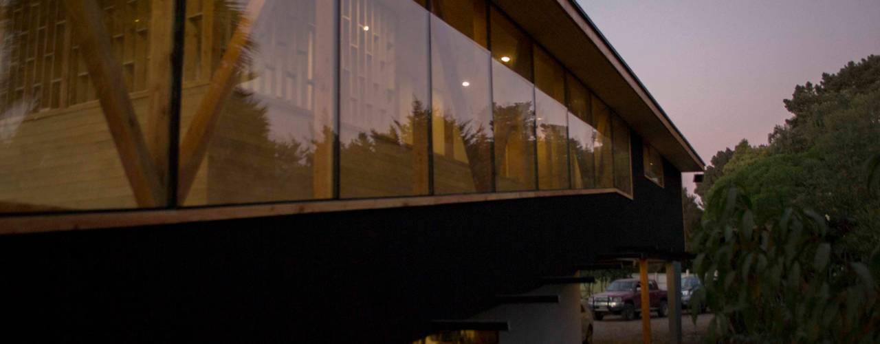 Casa Los Olmos PhilippeGameArquitectos Casas estilo moderno: ideas, arquitectura e imágenes Concreto reforzado Gris