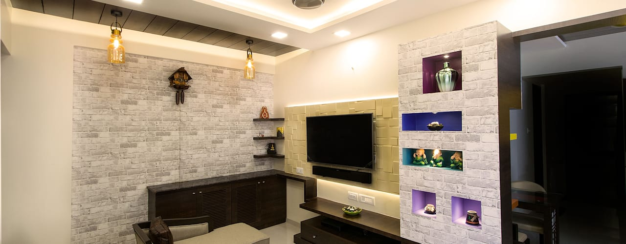Site for Mr.Mudit Agarwal:  Living room by Navmiti Designs