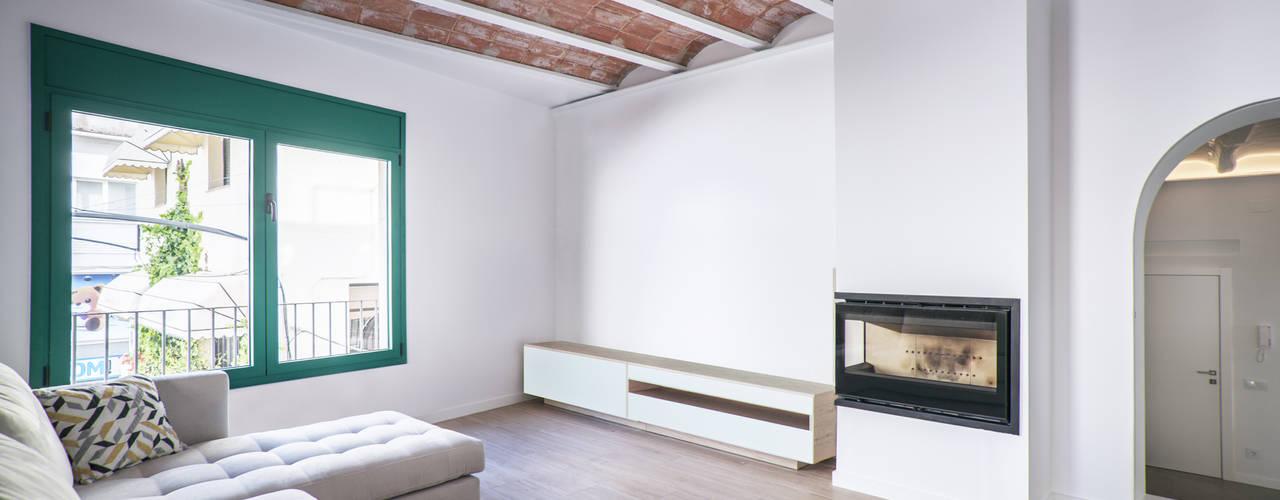 Wohnzimmer von LaBoqueria Taller d'Arquitectura i Disseny Industrial