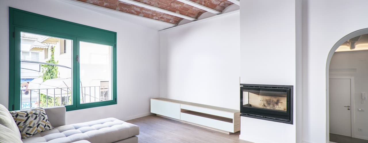 Minimalist living room by LaBoqueria Taller d'Arquitectura i Disseny Industrial Minimalist