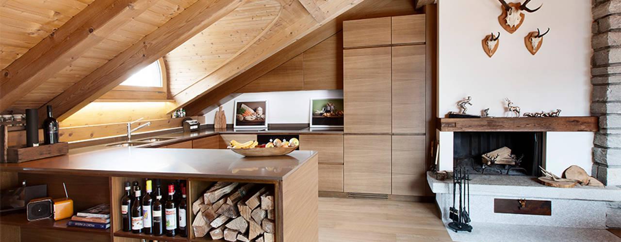 RISTRUTTURAZIONE APPARTAMENTO IN MONTAGNA Studio Architettura Macchi Soggiorno in stile scandinavo