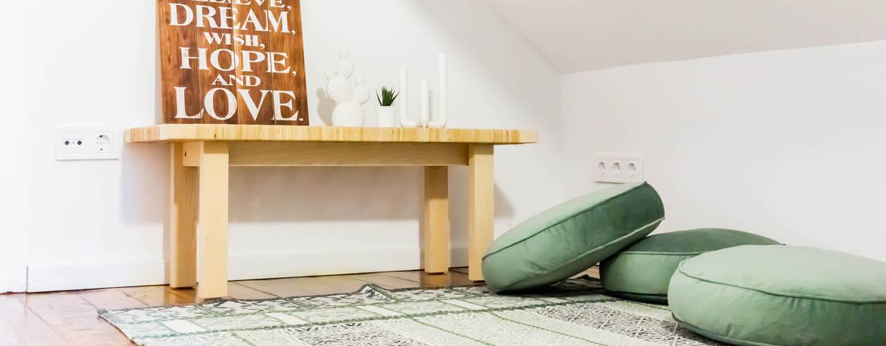 Suite B | Foz house II Quartos escandinavos por IAM Interiores Escandinavo
