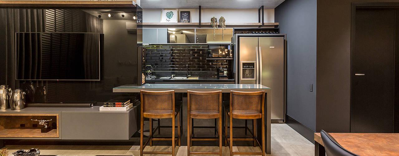 Apartamento F Juliana Agner Arquitetura e Interiores Sala de estarBancadas e bandejas Concreto Preto
