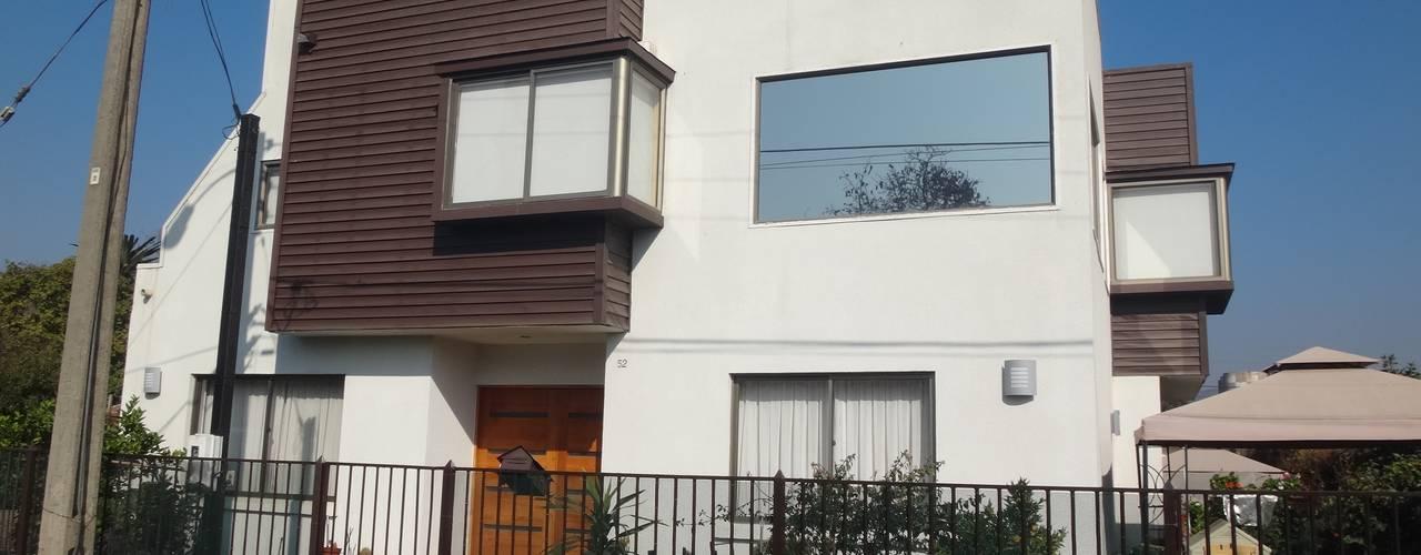 Casas unifamiliares de estilo  por ARKITEKTURA