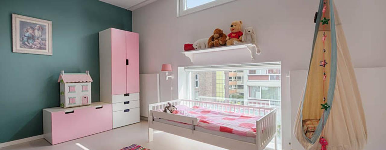 Modern grachtenpand met spannende doorkijkjes StrandNL architectuur en interieur Moderne kinderkamers