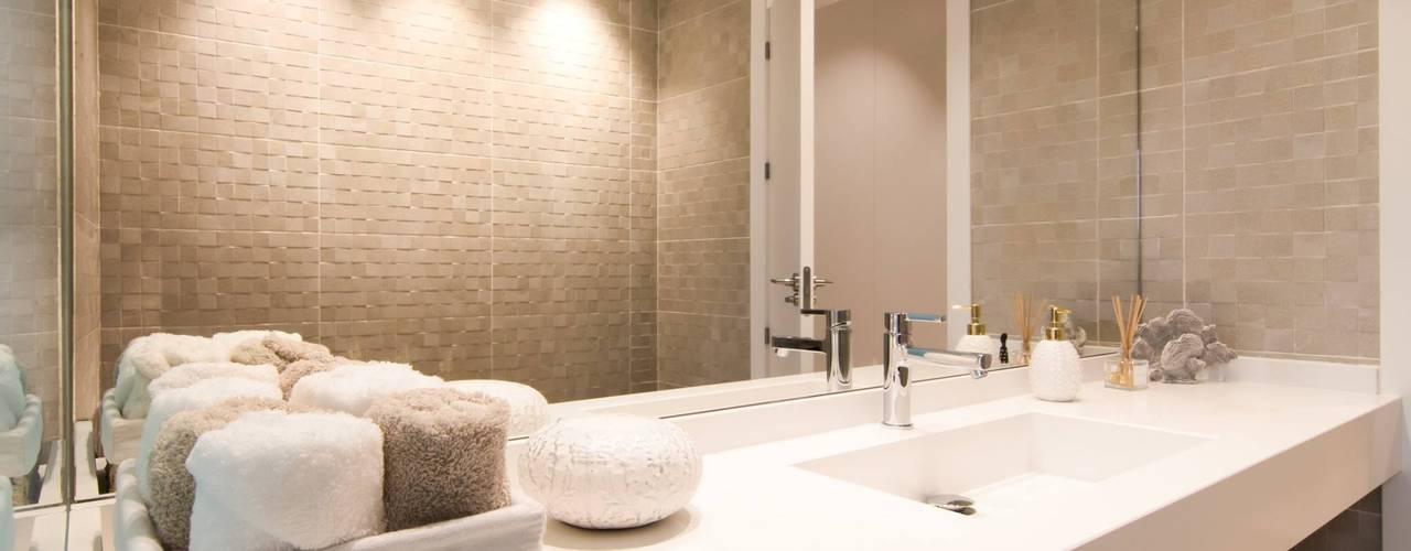 Proyecto Decoración Vivienda en Murcia Centro: Baños de estilo  de Keinzo Interiores