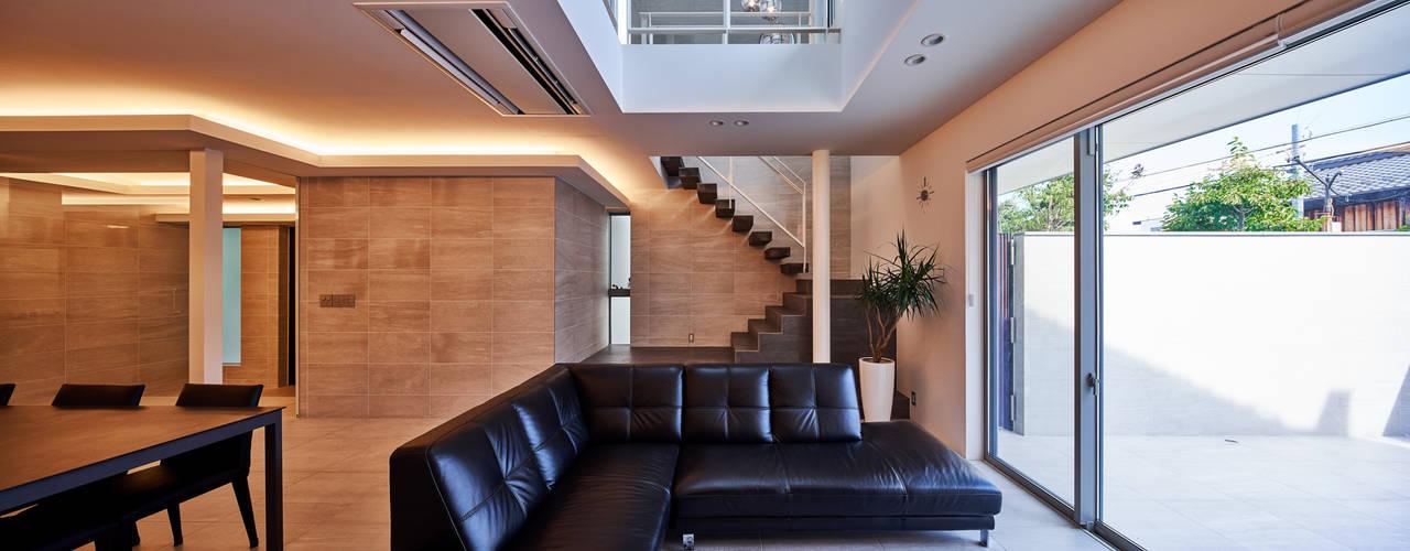 八幡の家 の 梶浦博昭環境建築設計事務所 モダン