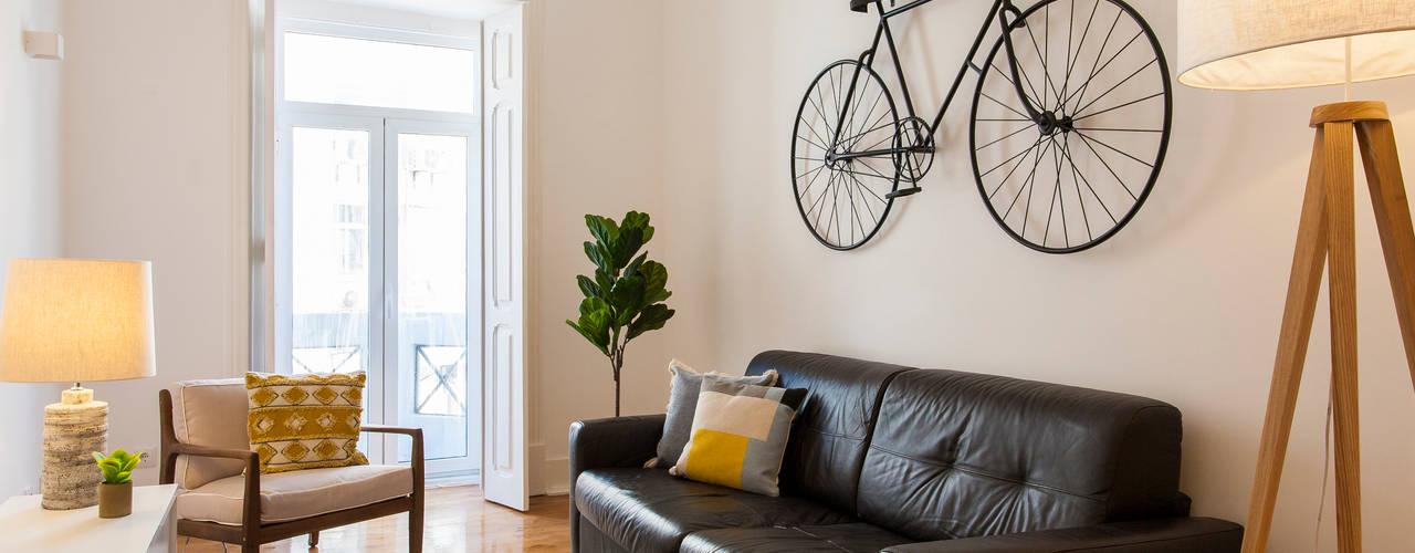 Sala de Estar:   por Traço Magenta - Design de Interiores
